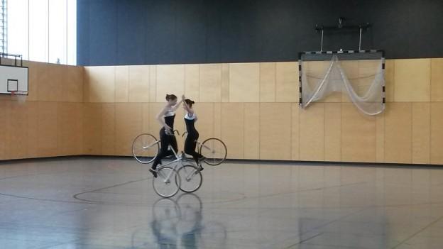 Kunstradfahrerinnen